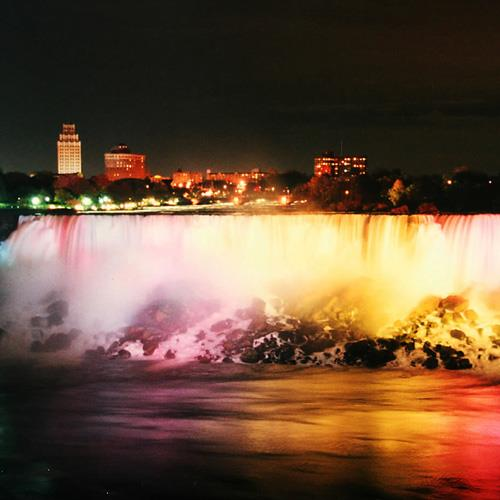 Breakaway Experiences Night out on Niagara Falls Tour